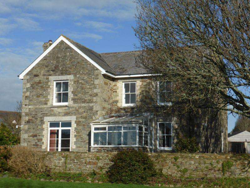 5 Bedrooms Detached House for sale in Lower Polscoe Farmhouse, Lostwithiel