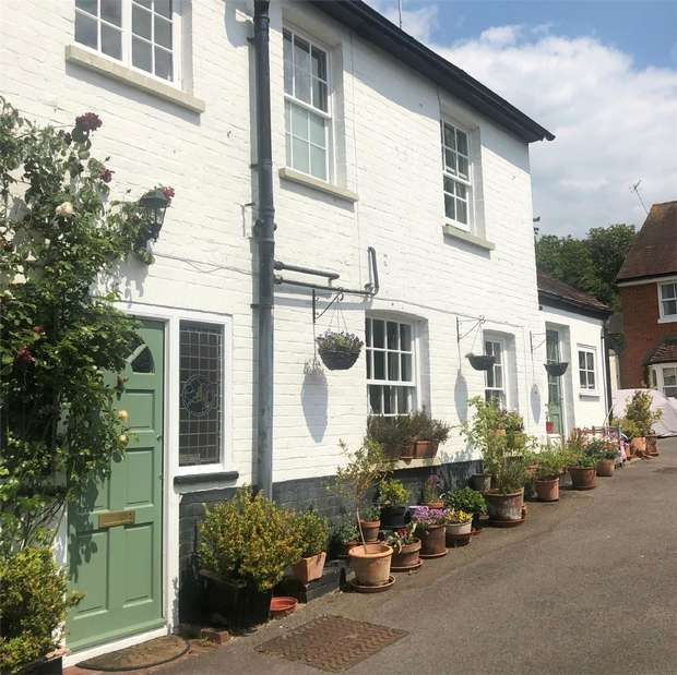 1 Bedroom Cottage House for rent in Reading, Berkshire