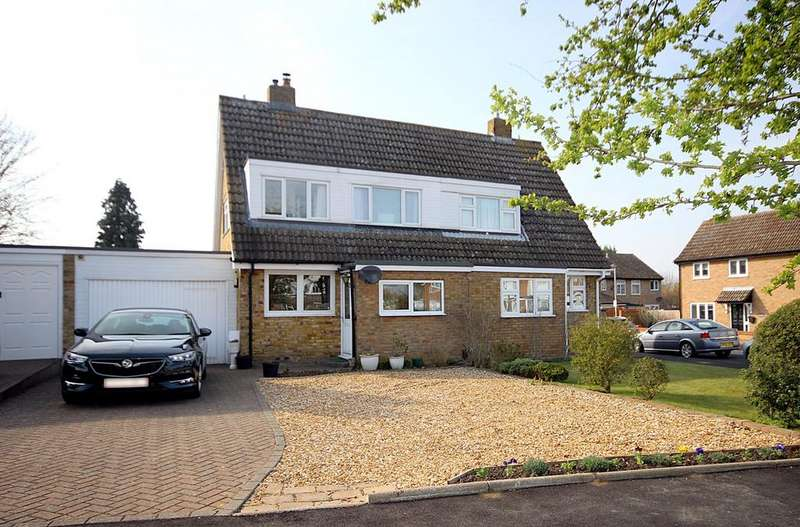 3 Bedrooms Semi Detached House for sale in Chase Close, Arlesey, SG15