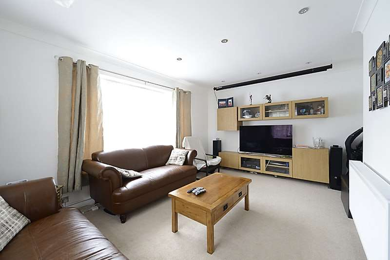 3 Bedrooms Detached House for sale in Birch Avenue, Reading, Berkshire, RG30