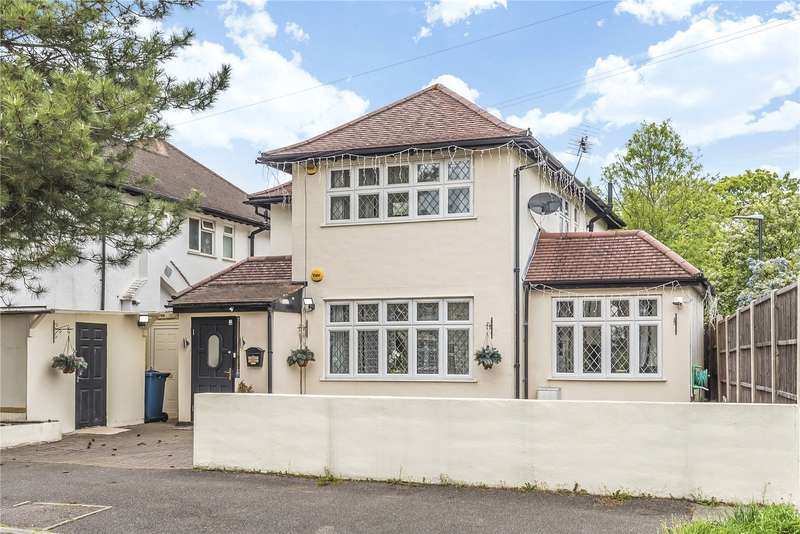4 Bedrooms Detached House for sale in Park View, Pinner, Middlesex, HA5