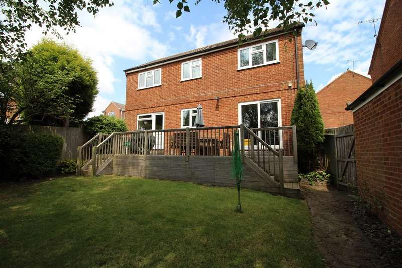 4 Bedrooms Detached House for sale in Cheviot Drive, Shepshed
