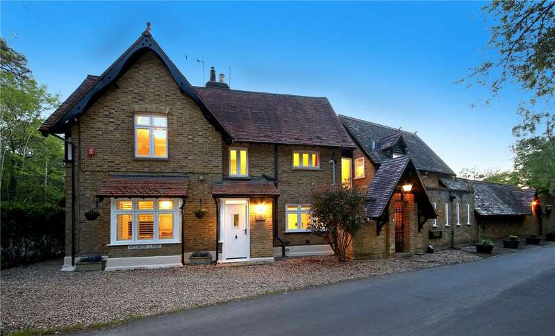 4 Bedrooms House for sale in Hedsor Lane, Taplow, SL1