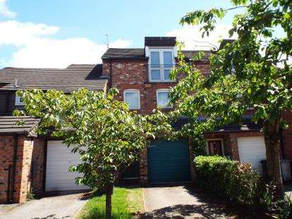 3 Bedrooms House for sale in Balmoral Way, Wilmslow, Cheshire, .