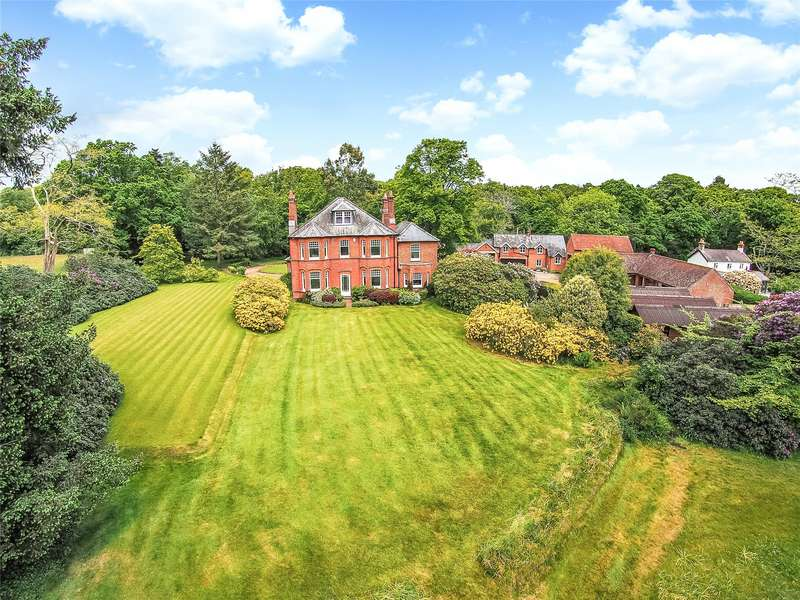 6 Bedrooms Detached House for sale in Beechwood Lane, Burley, Ringwood, Hampshire, BH24