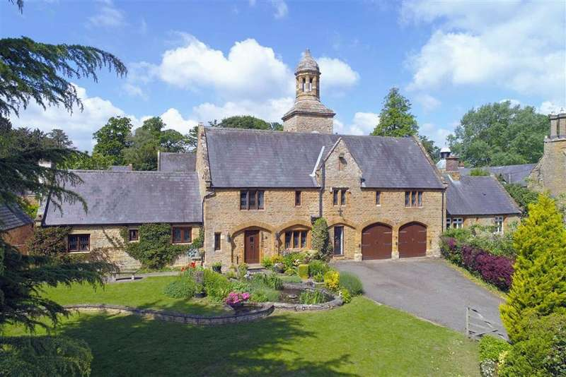 4 Bedrooms Detached House for sale in Overstone Park