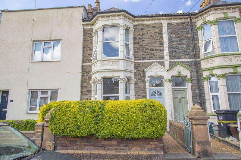 2 Bedrooms Terraced House for sale in Victoria Parade, Bristol