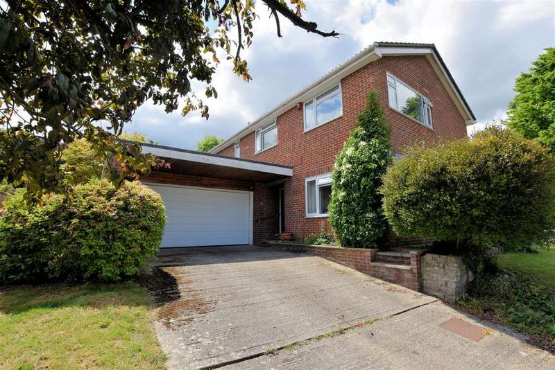 5 Bedrooms Detached House for sale in Nursery Gardens, Purley On Thames, Reading