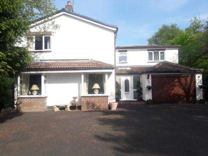 4 Bedrooms Detached House for sale in Eastern Way, Darras Hall, Ponteland, Northumberland, NE20