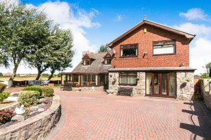5 Bedrooms Detached House for sale in Park Ave, Kinmel Bay, Denbighshire, Uk, LL18