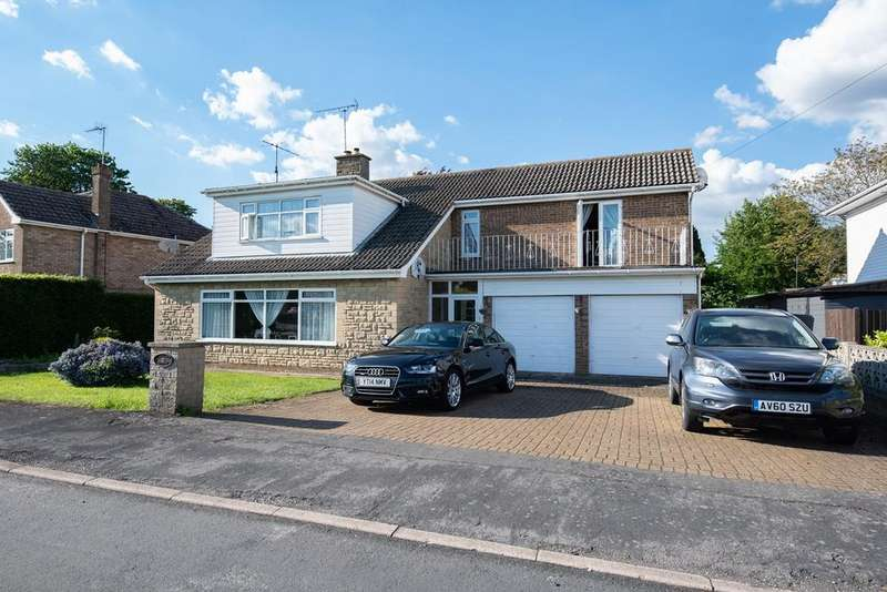 4 Bedrooms Detached House for sale in Manor Close, Spalding, PE11