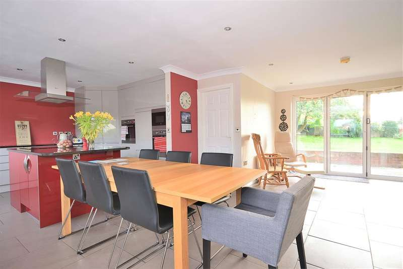 4 Bedrooms Detached Bungalow for sale in Kirby Hill, Boroughbridge, York, YO51 9DN