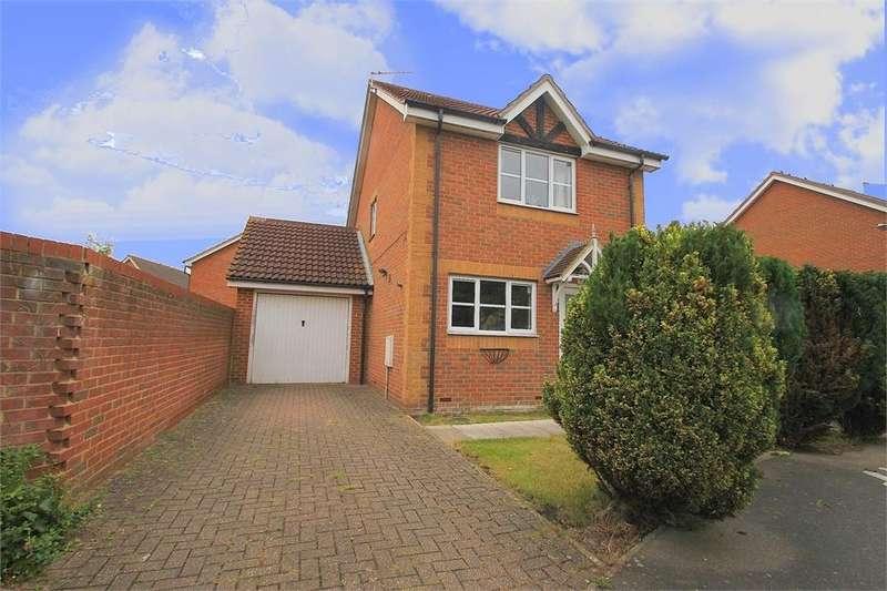 3 Bedrooms Detached House for rent in Moor Furlong, Cippenham, Berkshire