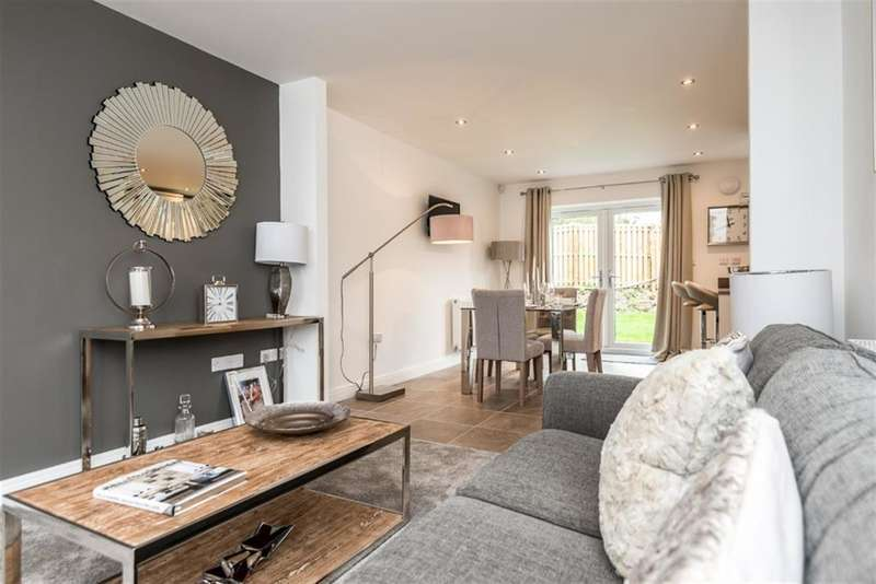 3 Bedrooms Semi Detached House for sale in Ann Lane, Astley, Manchester, M29 7QG