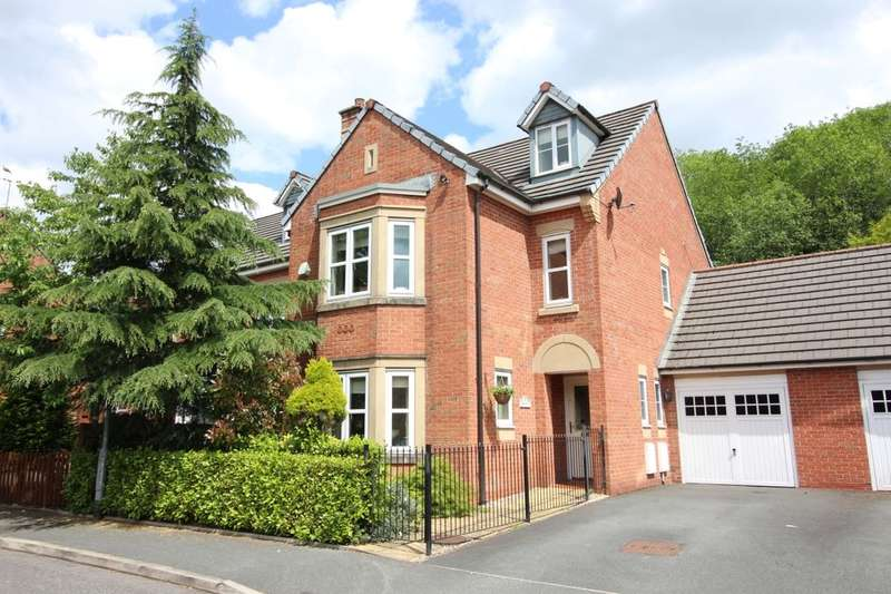 5 Bedrooms Detached House for sale in Kingsbury Close, Bury, BL8