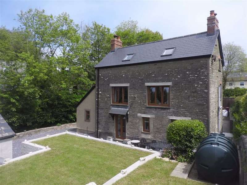3 Bedrooms Detached House for sale in EGLWYSWRW, Pembrokeshire