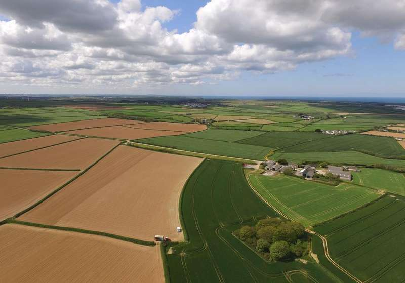 7 Bedrooms Farm House Character Property for sale in 221 acre farm between Padstow and Wadebridge PL27