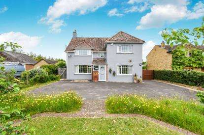 3 Bedrooms Detached House for sale in South Petherton, Somerset, Uk