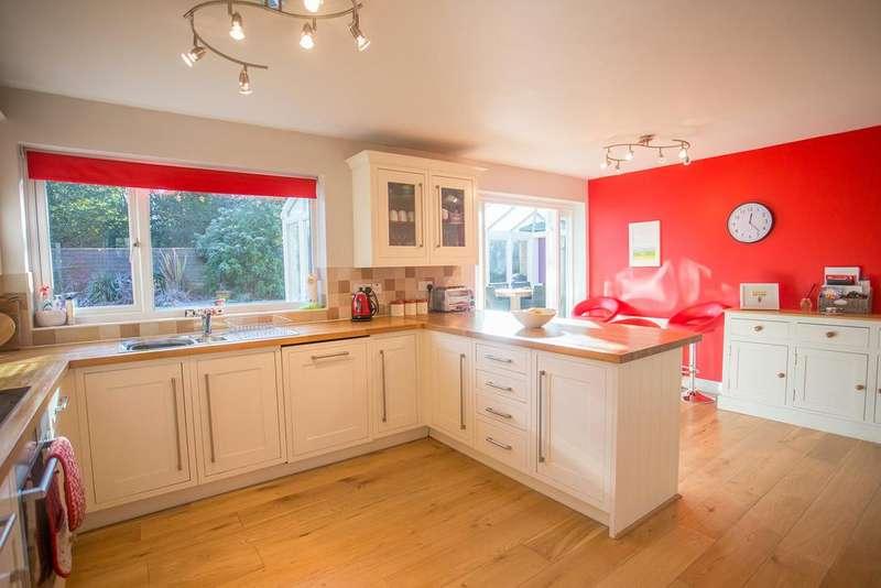 4 Bedrooms Detached House for sale in FANTASTIC GARDEN, BEAUFORT GARDENS, BURLEIGH ROAD, ASCOT, BERKSHIRE, SL5 8PG
