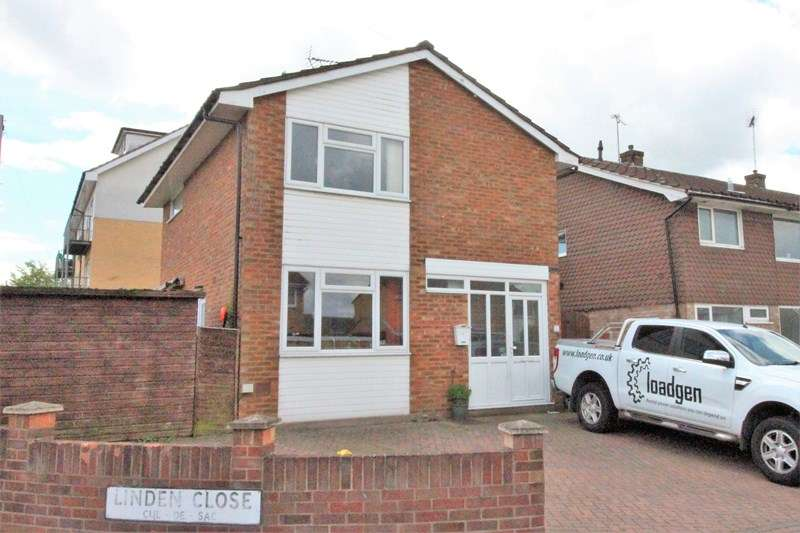4 Bedrooms Detached House for sale in Linden Close, Benfleet