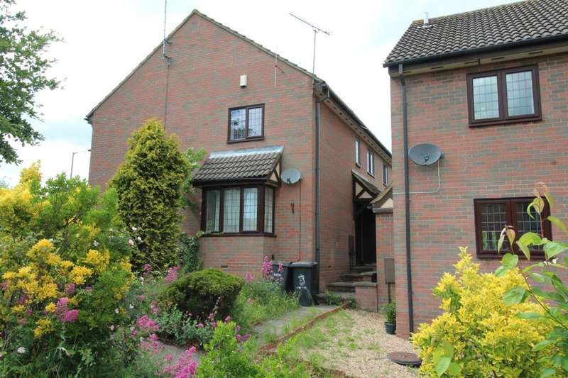 2 Bedrooms Property for rent in Felbrigg Close, Luton, LU2