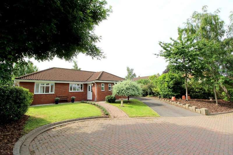3 Bedrooms Detached Bungalow for sale in West Town Road, Backwell