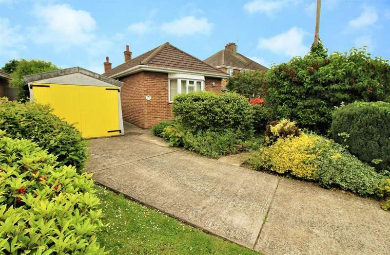 2 Bedrooms Detached Bungalow for sale in D'Arcy Road, Colchester, Essex, CO2