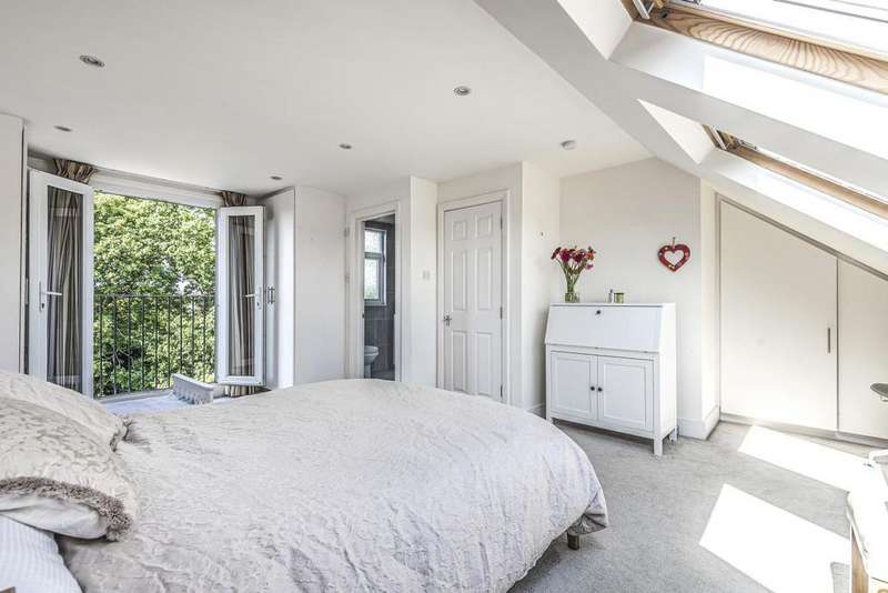 2 Bedrooms Flat for sale in Berrylands, Raynes Park