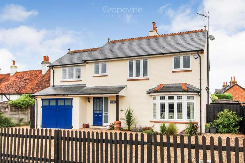 4 Bedrooms Detached House for sale in Whistley Green, Reading
