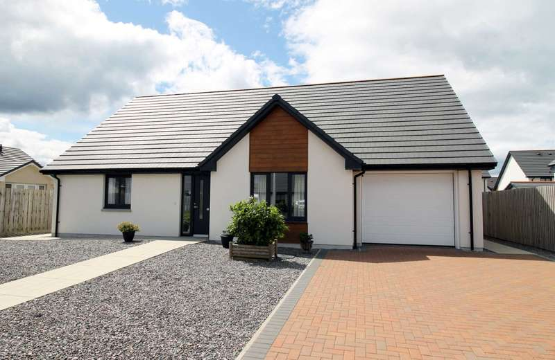 3 Bedrooms Detached Bungalow for sale in Carron Street, Nairn