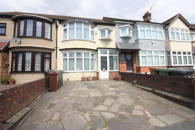 3 Bedrooms Terraced House for sale in Hall Lane, Chingford, London E4