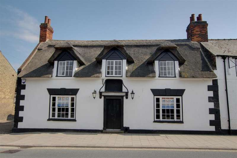5 Bedrooms Semi Detached House for sale in West Street, Alford