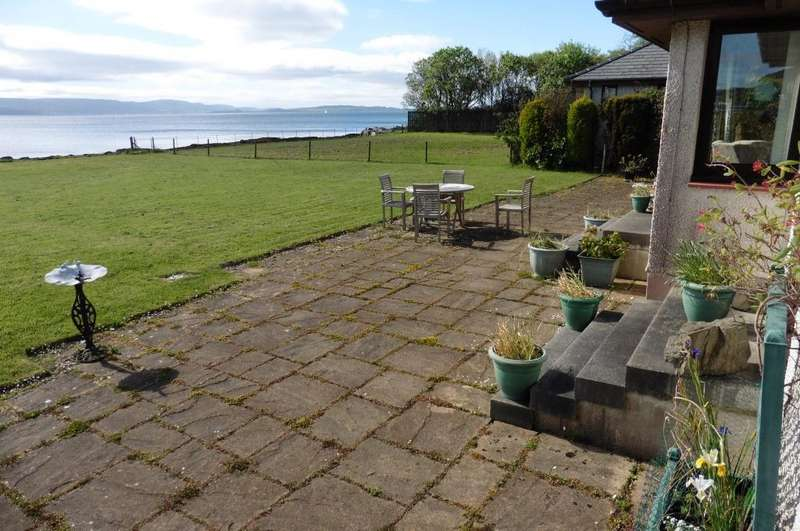 4 Bedrooms Detached Bungalow for sale in 2 The Meadows, Toward, PA23 7UP