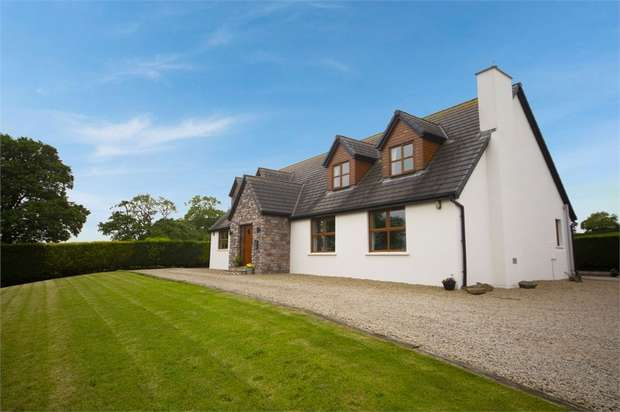 5 Bedrooms Detached House for sale in Moss Brook Road, Carryduff, Belfast, County Down