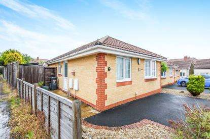 2 Bedrooms Bungalow for sale in Wessex Court, Filton, Bristol, City Of Bristol