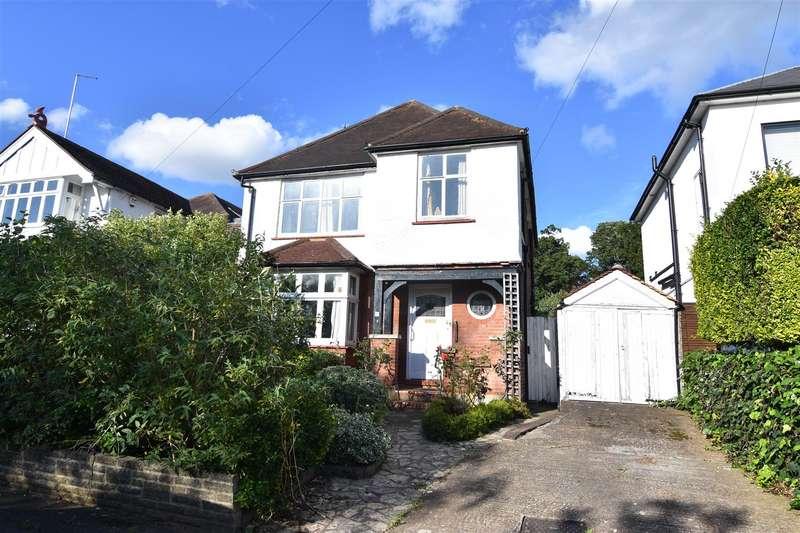 3 Bedrooms Detached House for sale in Upper Park Road, Kingston Upon Thames