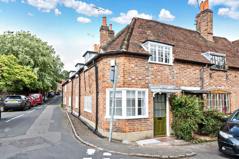 2 Bedrooms Semi Detached House for sale in Deanary Cottages, High Street, Sonning, Reading, RG4