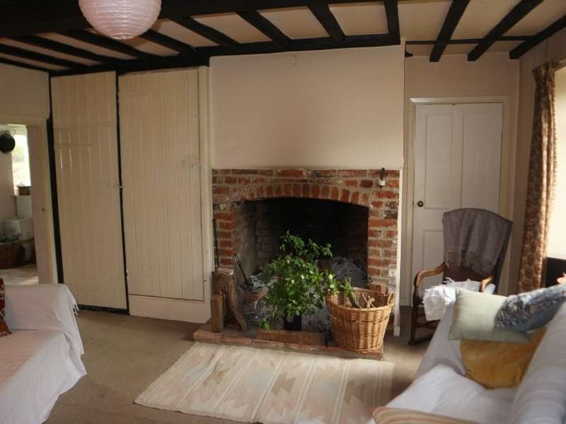 5 Bedrooms Semi Detached House for sale in The White Cottage, 10-12 Mill Road, Reepham, Norwich, Norfolk