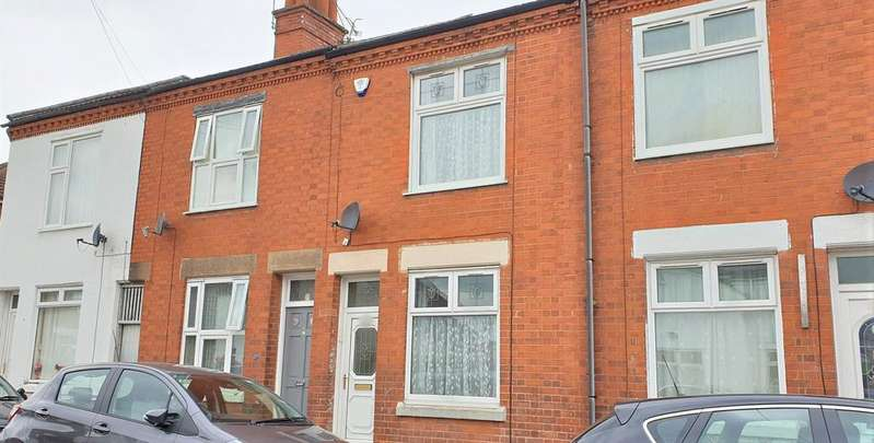 3 Bedrooms Terraced House for sale in Harrison Road, Leicester LE4