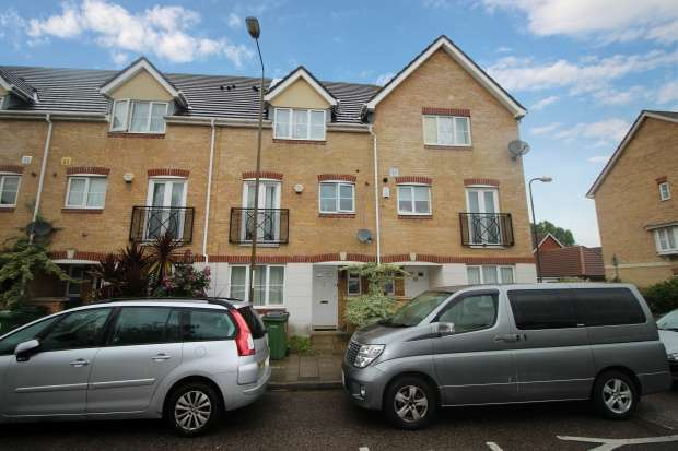 Terraced House for sale in Battery Road, London, Greater London, SE28 0JL