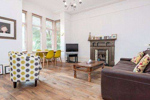 3 Bedrooms Flat for sale in Dean Road, London, NW2