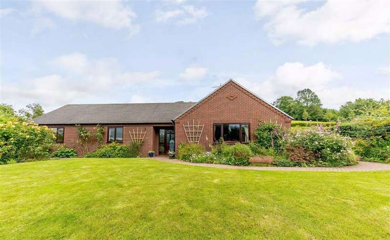 3 Bedrooms Bungalow for sale in Bronhaul, Llandyssil, Montgomery, Powys, SY15