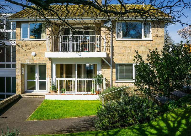 2 Bedrooms Property for sale in Charmouth Court, Lyme Regis
