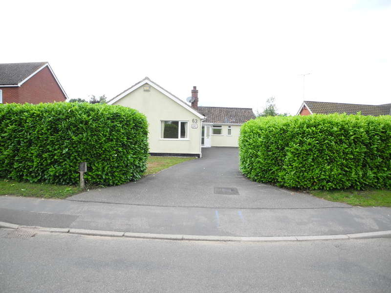 3 Bedrooms Detached Bungalow for sale in Loddon Road, Ditchingham, Bungay
