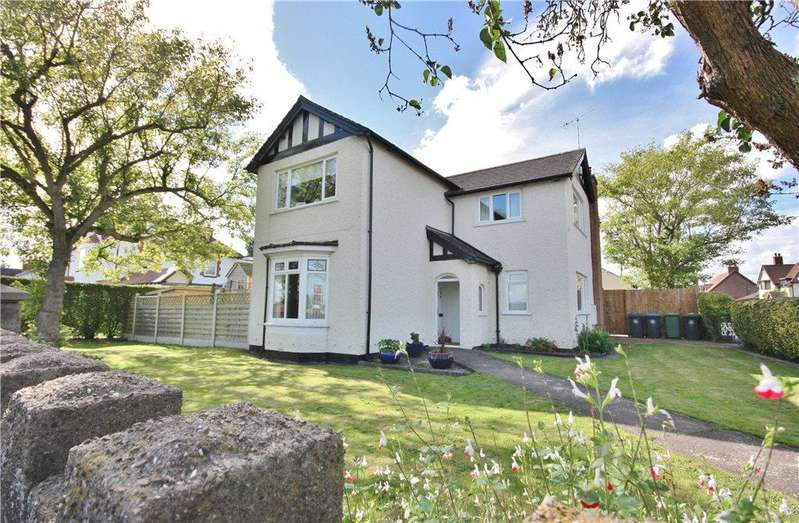 4 Bedrooms Detached House for sale in Alcester Road, Studley, Warwickshire, B80