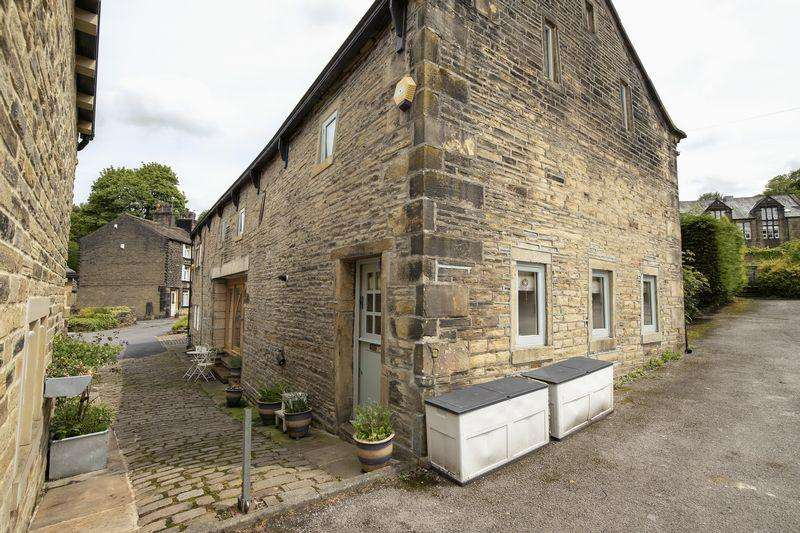 3 Bedrooms Barn Conversion Character Property for sale in Chapelfield Barn, Old Bank, Sowerby Bridge