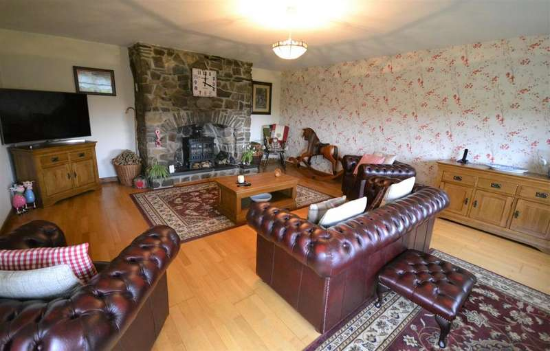 4 Bedrooms Land Commercial for sale in Croeslan