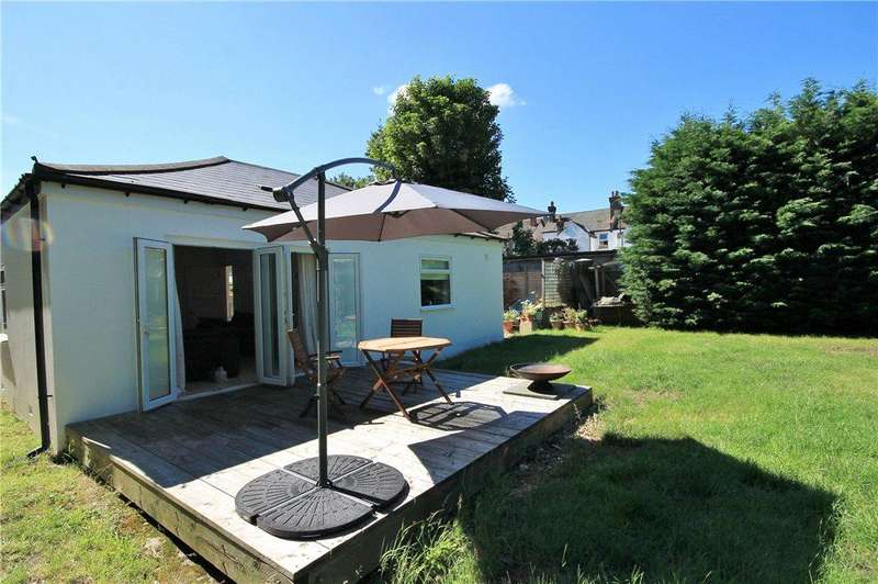 2 Bedrooms Bungalow for sale in Norbury Crescent, London, SW16