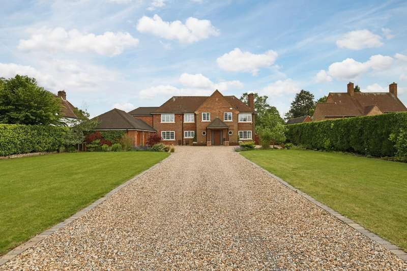 5 Bedrooms Detached House for sale in Botley Road, Chesham, HP5