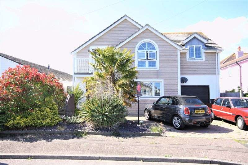 3 Bedrooms Property for sale in Ariel Drive, Bournemouth